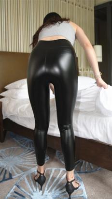 极品紧身黑色皮裤[6.85G/MP4]