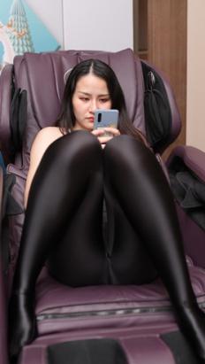 (视频一)黑色紧身裤小姐姐 [6.18G/MP4]