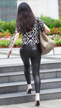 (套图)黑色紧身裤美女小姐姐(364P)[3.81G/JPG]
