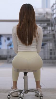 (套图二)漂亮的紧身裤小姐姐(344P)[6.95G/JPG]
