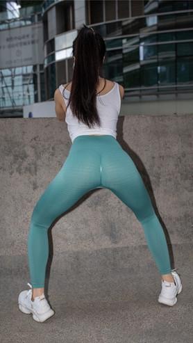 魔镜街拍 (套图二)小姐姐的紧身裤(326P)[6.97G/JPG]封面图片