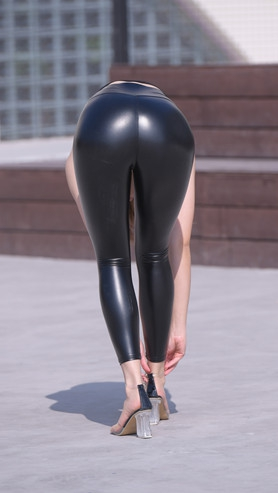 魔镜街拍 (套图二)黑色皮裤紧身美女(238P)[3.73G/JPG]封面图片